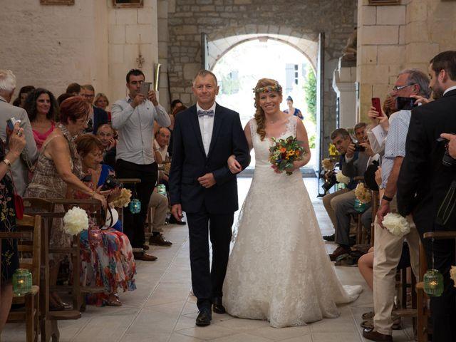 Le mariage de Alexandre et Elodie à Berneuil, Charente Maritime 15