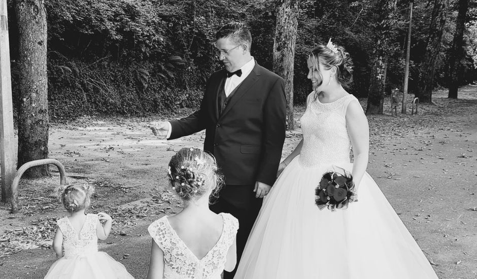 Le mariage de Damien et Lindsey  à Roquecourbe, Tarn