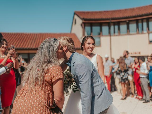 Le mariage de Calvin et Camille à Beauzac, Haute-Loire 29