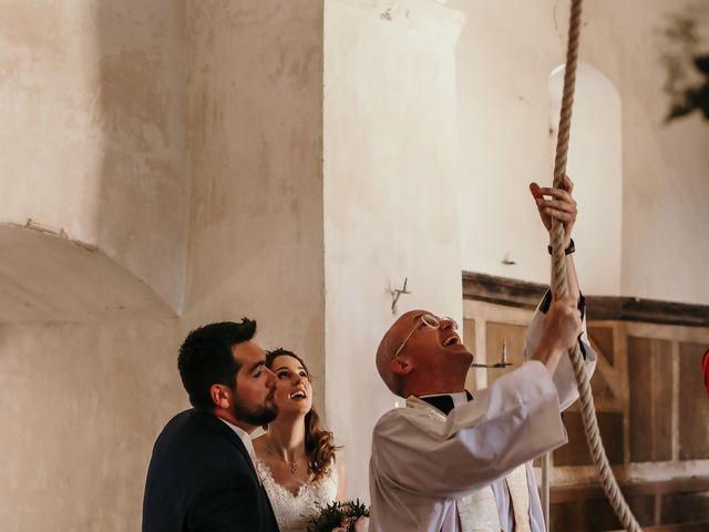 Le mariage de Antoine et Anaïs à Nuits-Saint-Georges, Côte d'Or 6