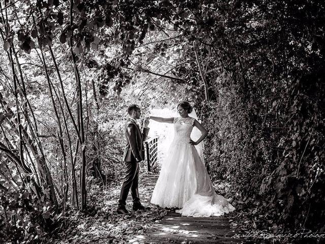 Le mariage de Simon et Olivia à Val-de-Reuil, Eure 18