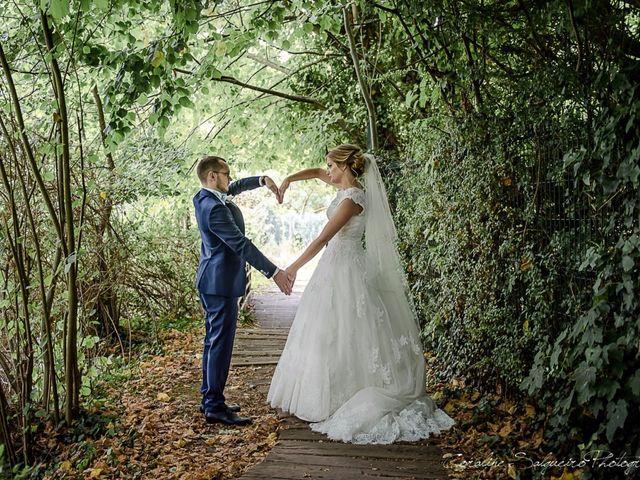 Le mariage de Simon et Olivia à Val-de-Reuil, Eure 19