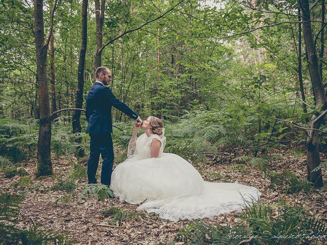 Le mariage de Simon et Olivia à Val-de-Reuil, Eure 26