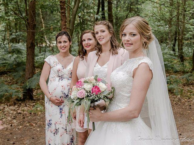 Le mariage de Simon et Olivia à Val-de-Reuil, Eure 33
