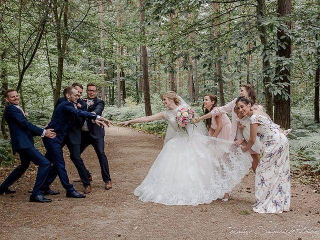 Le mariage de Simon et Olivia à Val-de-Reuil, Eure 35
