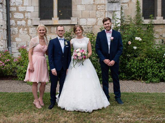 Le mariage de Simon et Olivia à Val-de-Reuil, Eure 44