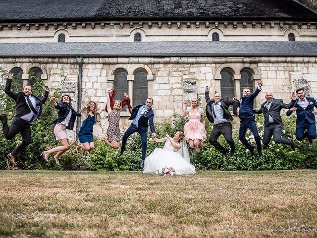 Le mariage de Simon et Olivia à Val-de-Reuil, Eure 45