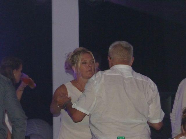 Le mariage de Simon et Olivia à Val-de-Reuil, Eure 87
