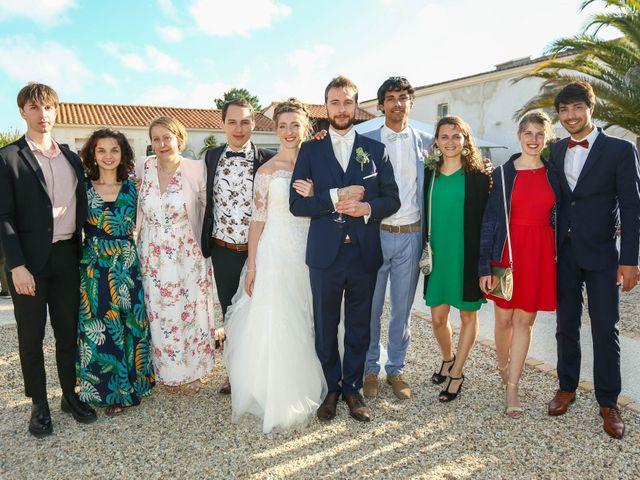 Le mariage de Thibaut et Mathilde à Vaux-sur-Mer, Charente Maritime 67