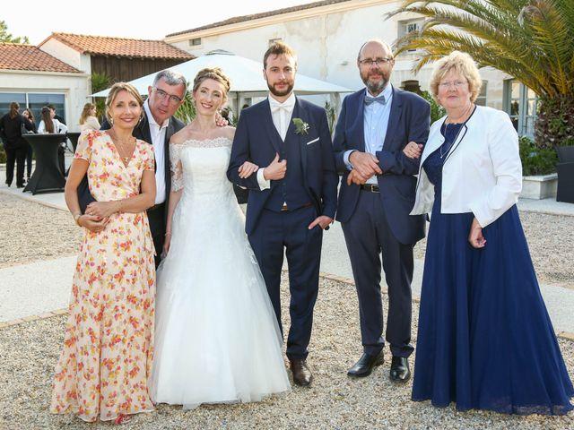 Le mariage de Thibaut et Mathilde à Vaux-sur-Mer, Charente Maritime 69