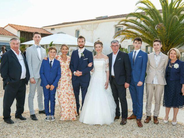Le mariage de Thibaut et Mathilde à Vaux-sur-Mer, Charente Maritime 72
