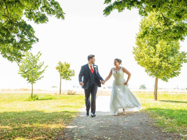 Le mariage de Jérémy et Laurie à Ambarès-et-Lagrave, Gironde 9