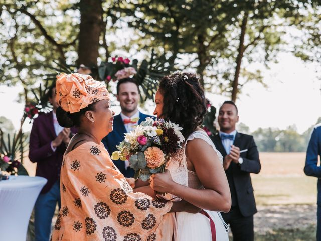 Le mariage de Alex et Sarah à Beaumontois-en-Périgord, Dordogne 26