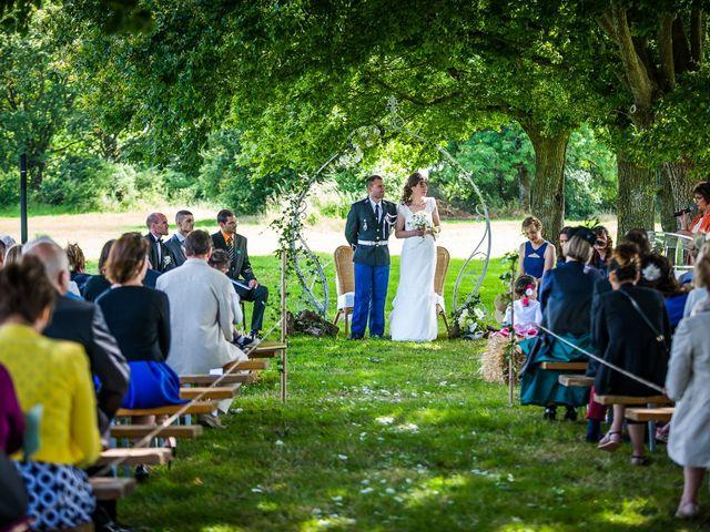Le mariage de Julien et Claire à Saint-Martin-Lars-en-Sainte-Hermine, Vendée 2