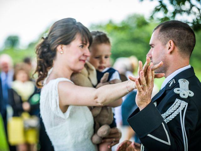 Le mariage de Julien et Claire à Saint-Martin-Lars-en-Sainte-Hermine, Vendée 10