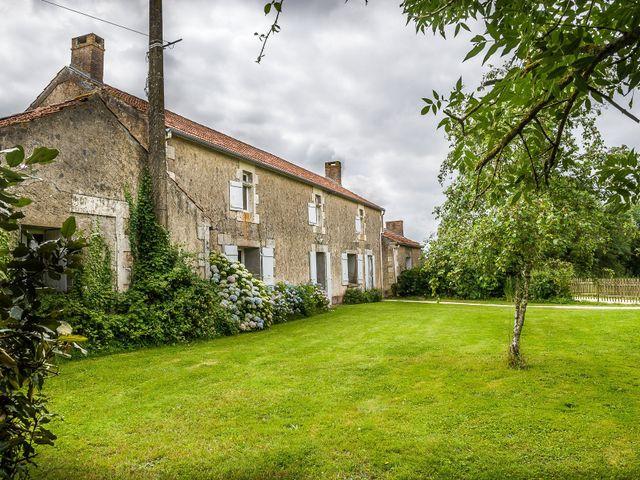 Le mariage de Julien et Claire à Saint-Martin-Lars-en-Sainte-Hermine, Vendée 16