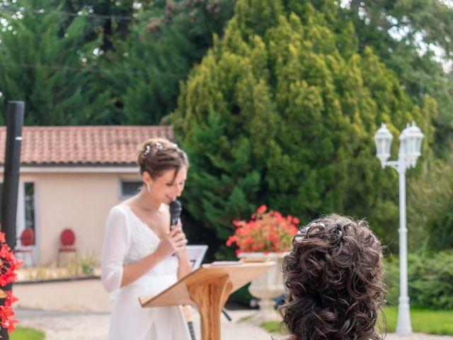 Le mariage de Salomé et Émilie à Pontcharra-sur-Turdine, Rhône 10