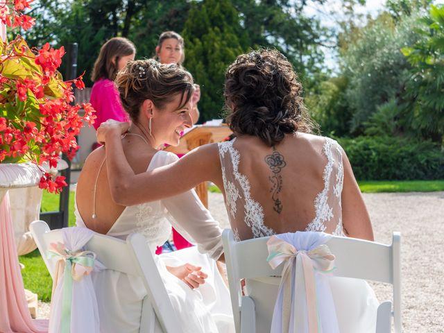 Le mariage de Salomé et Émilie à Pontcharra-sur-Turdine, Rhône 12
