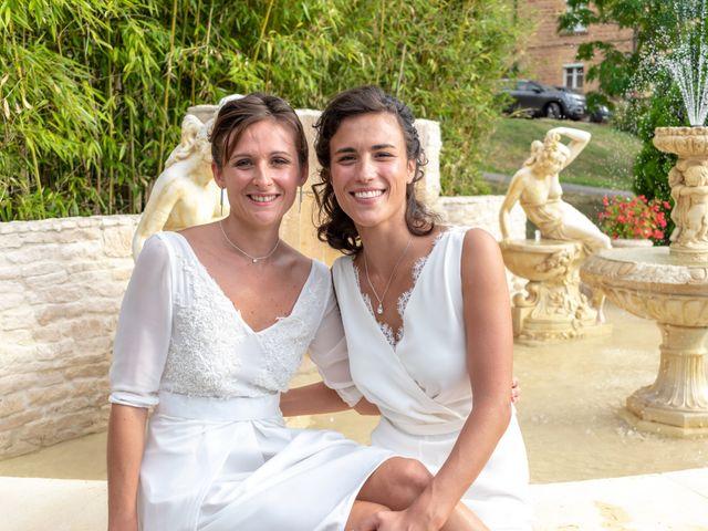 Le mariage de Salomé et Émilie à Pontcharra-sur-Turdine, Rhône 14