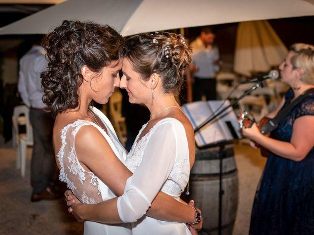 Le mariage de Salomé et Émilie à Pontcharra-sur-Turdine, Rhône 25