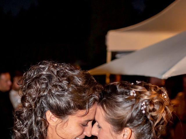 Le mariage de Salomé et Émilie à Pontcharra-sur-Turdine, Rhône 26