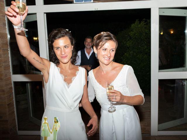 Le mariage de Salomé et Émilie à Pontcharra-sur-Turdine, Rhône 29