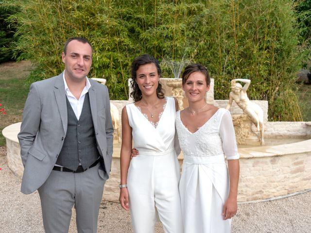Le mariage de Salomé et Émilie à Pontcharra-sur-Turdine, Rhône 32