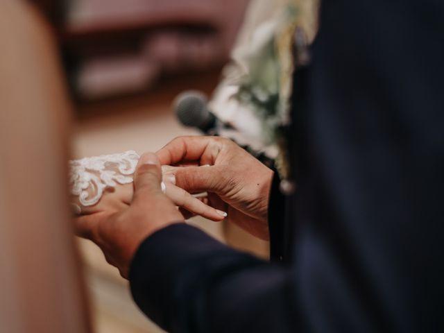 Le mariage de Julien et Meg-Ann à Fauverney, Côte d'Or 15