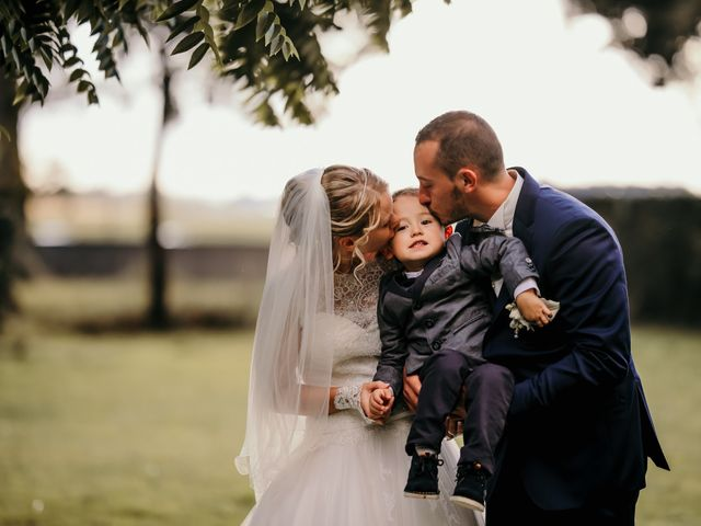 Le mariage de Julien et Meg-Ann à Fauverney, Côte d'Or 31