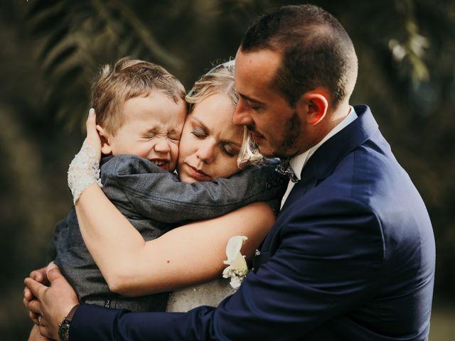 Le mariage de Julien et Meg-Ann à Fauverney, Côte d'Or 32