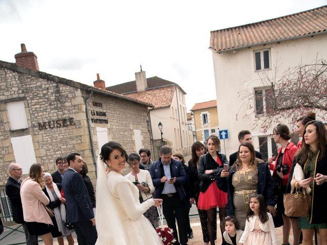 Le mariage de Jérémy et Emeni à Chasseneuil-du-Poitou, Vienne 10