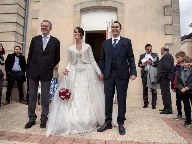 Le mariage de Jérémy et Emeni à Chasseneuil-du-Poitou, Vienne 11