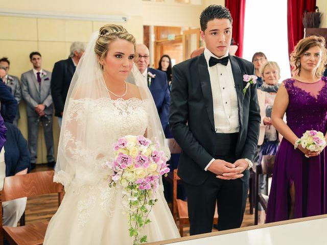 Le mariage de Jérémy et Sophie à La Ferté-Alais, Essonne 59