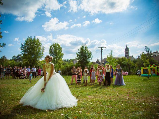 Le mariage de Cyril et Cindy à Espalion, Aveyron 6