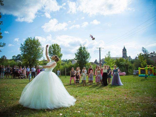 Le mariage de Cyril et Cindy à Espalion, Aveyron 8
