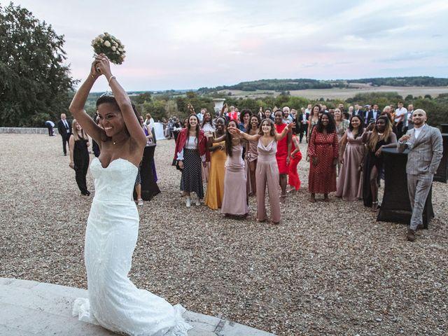 Le mariage de Aurélien et Afsanat à Dangu, Eure 64