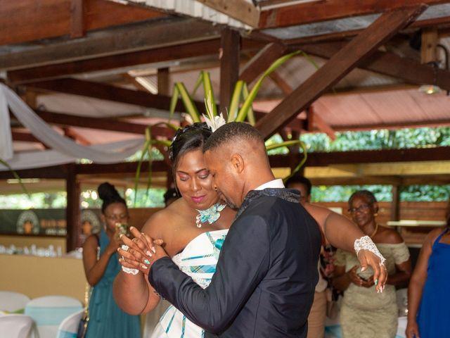 Le mariage de Jean et Annael à Sainte-Luce, Martinique 4