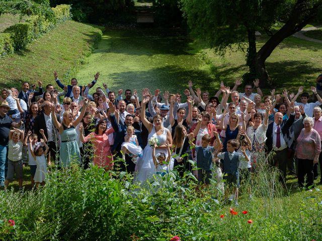 Le mariage de Emilien et Morgane à Cubzac-les-Ponts, Gironde 13