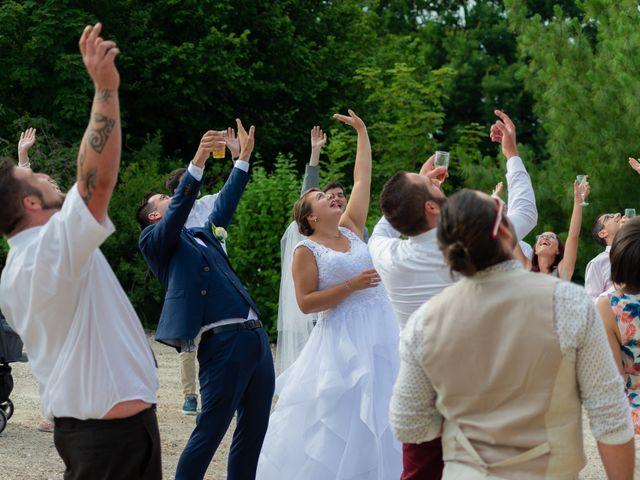 Le mariage de Emilien et Morgane à Cubzac-les-Ponts, Gironde 32