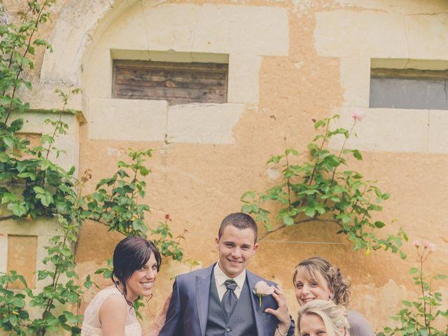 Le mariage de kevin et Lucie à Saint-Aulaye, Dordogne 11