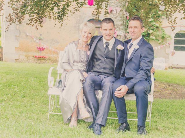 Le mariage de kevin et Lucie à Saint-Aulaye, Dordogne 14