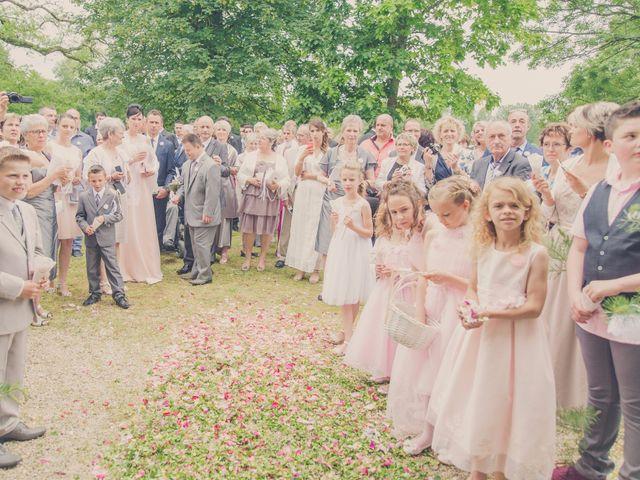 Le mariage de kevin et Lucie à Saint-Aulaye, Dordogne 53