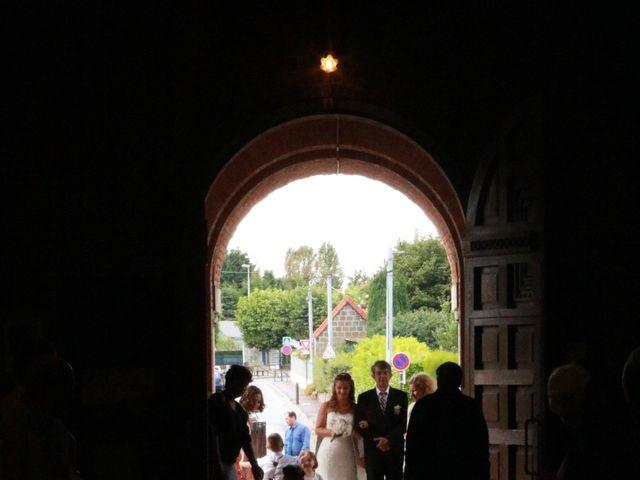 Le mariage de François et Emmanuelle à Rouxmesnil-Bouteilles, Seine-Maritime 14