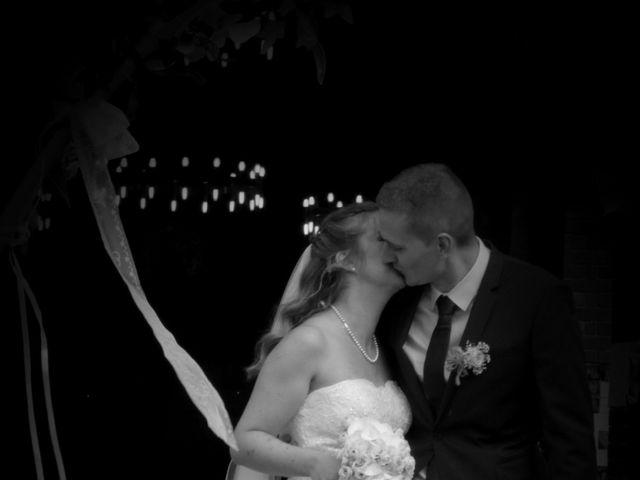 Le mariage de François et Emmanuelle à Rouxmesnil-Bouteilles, Seine-Maritime 1