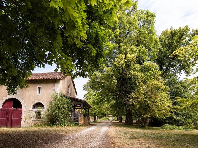 Le mariage de Aymeric et Noémie à Saint-Astier, Dordogne 2