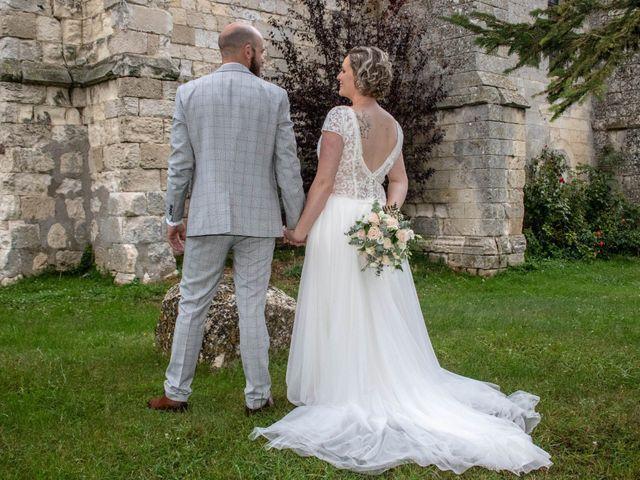 Le mariage de Anthony et Malhorie à Beaudéduit, Oise 24
