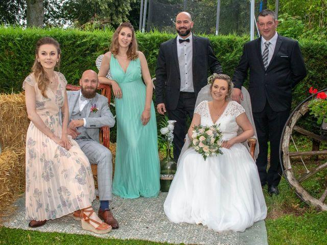 Le mariage de Anthony et Malhorie à Beaudéduit, Oise 32