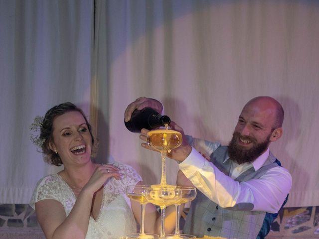 Le mariage de Anthony et Malhorie à Beaudéduit, Oise 43