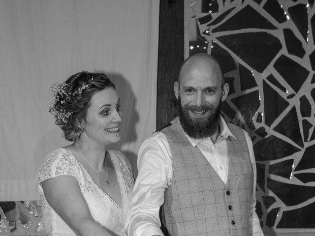 Le mariage de Anthony et Malhorie à Beaudéduit, Oise 44