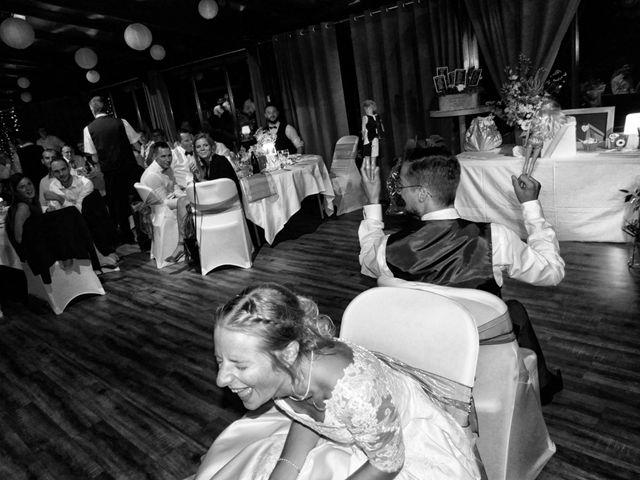 Le mariage de Adrien et Marine à Pougues-les-Eaux, Nièvre 24